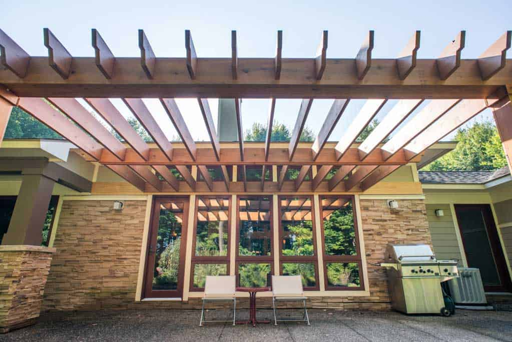Lotus Gardenscapes -- Knotty Cedar Pergola -- Pergola with House and Patio, Skyward View -- Wood