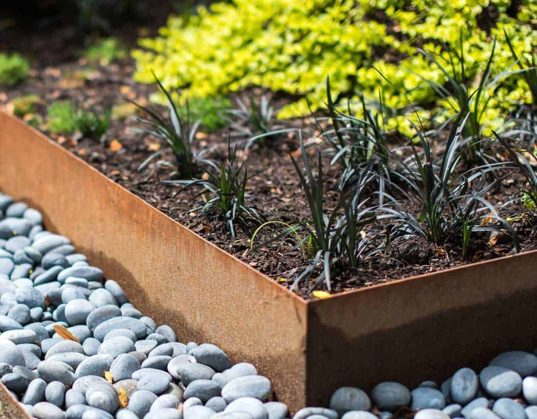 Lotus Gardenscapes -- Gardens -- Zen Rock Garden Inset with Soil Plant Bed, Detail