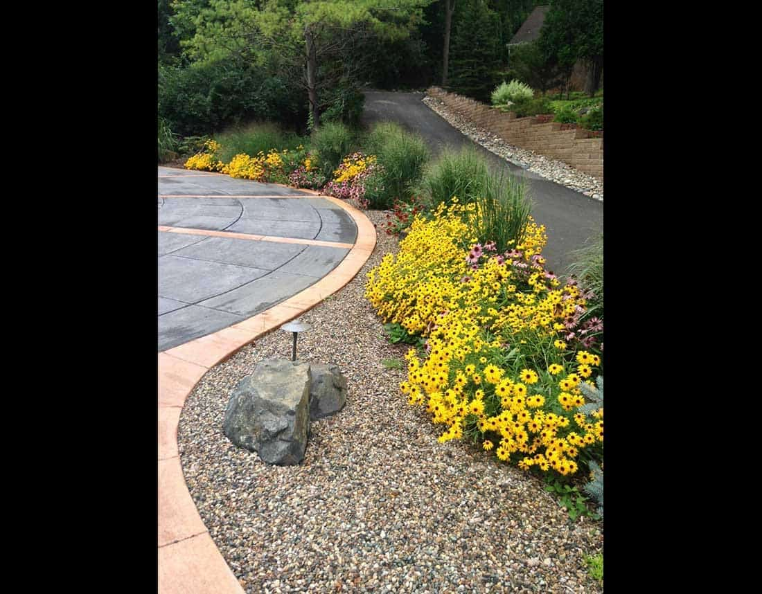 Lotus Gardenscapes -- Gardens and Plantscapes -- Rock Bed with Flowers